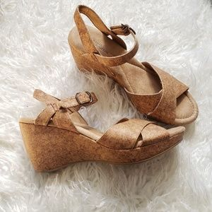 FAUX CORK PLATFORM WEDGE SANDALS WHITE MOUNTAIN 8